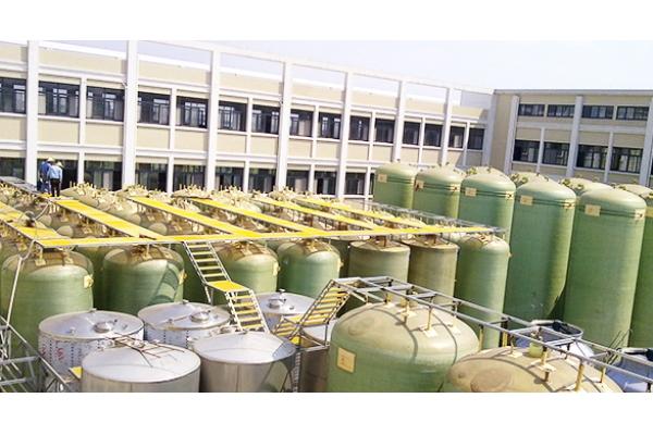 FRP反应釜、储罐、塔器